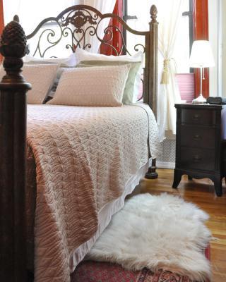 Lita's New York Apartments