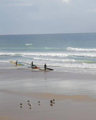 De Caparica Sun and Beach