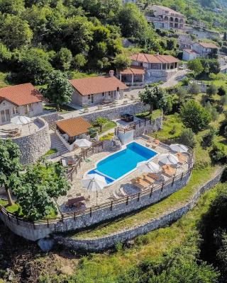 Luxury Villas Lapcici