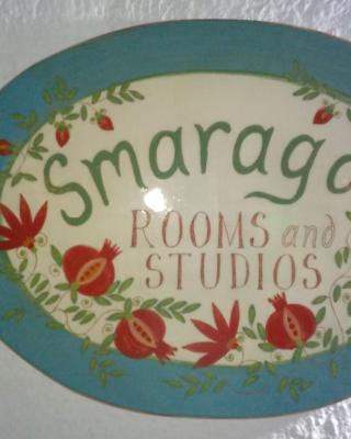 Smaragdi Rooms and Studios