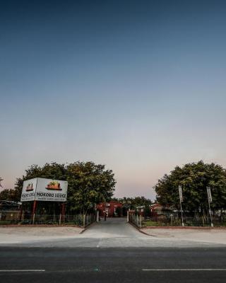 Mokoro Lodge