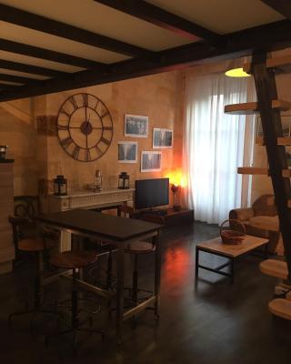 Appartement typique Bordeaux