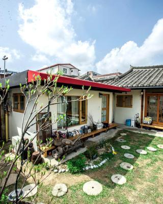 Jeonju Indigo Hanok Guesthouse