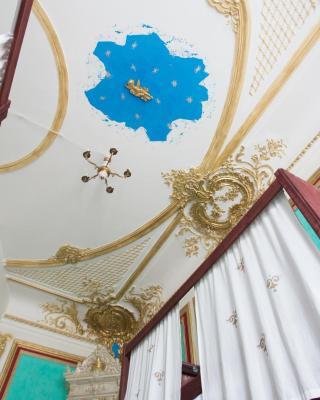 Traveller's Palace Hostel