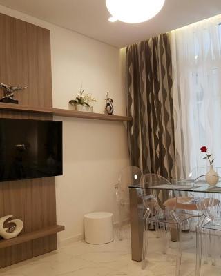 Laura Aristotelous Square Apartment