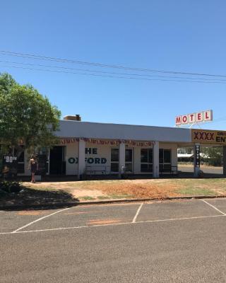 The Oxford Hotel-Motel