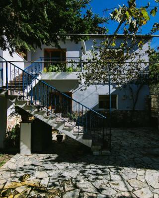 Bujtina Leon's Apartments