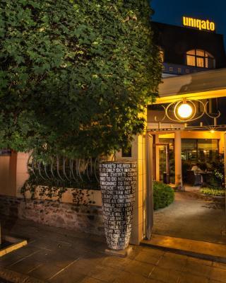 Uniqato Hotel