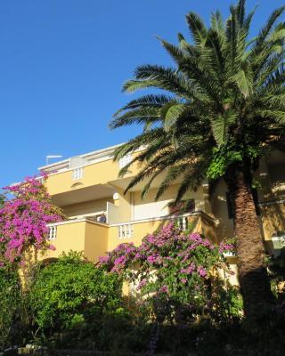 Apartments Palma Novalja