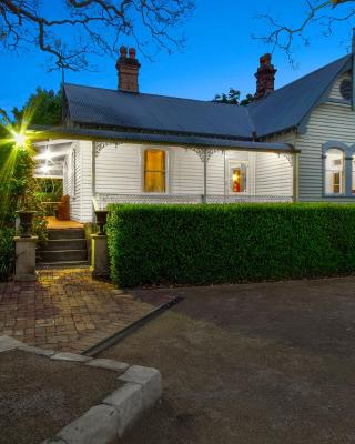 Plynlimmon-The Cottage at Kurrajong