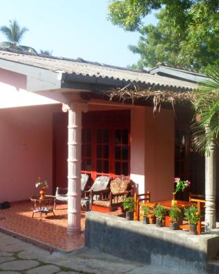 Thisal Guest House