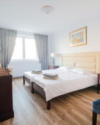 Hotel EKA