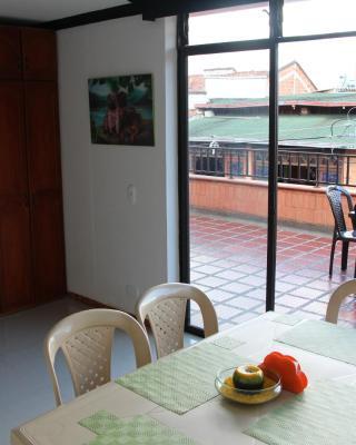 Habitaciones en Medellín (Apartahotel Ferjaz)