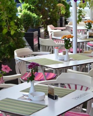 Hotel Les Jardins Carol