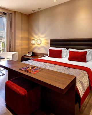 オリビア プラザ ホテル