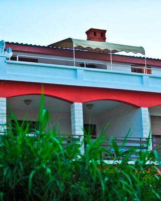 House Anca - Tkon