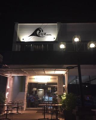 LEUX ホテル