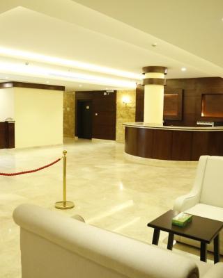 Flora Hotel Suite 2
