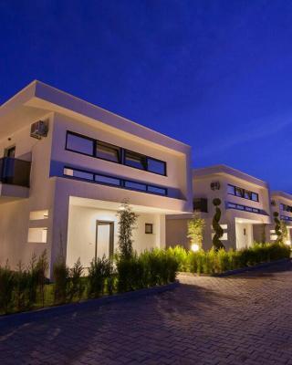 Ada Villas Beverly Hills