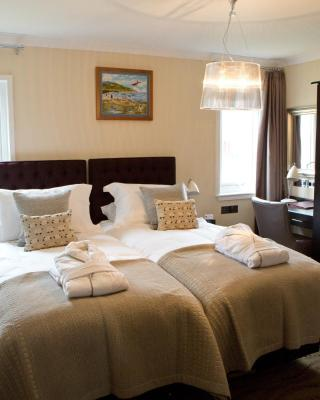 The Waterfront Boutique Hotel