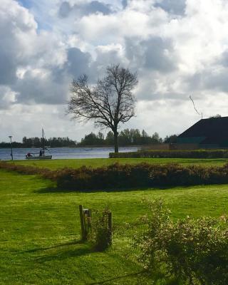 Zonnig vakantiehuis aan Heegermeer