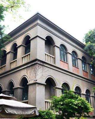 46Howtel Old house Inn