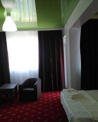 Hotel Curcubeu