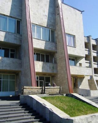 Hotel Profspilkovyi