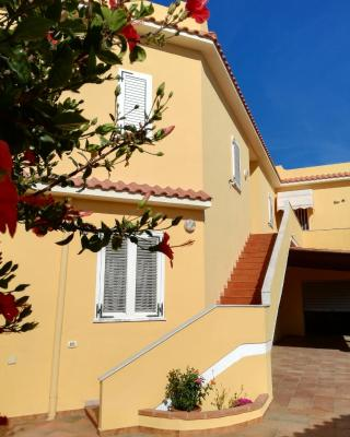 Mare e Sole Holiday Home