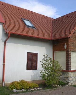 Kakasos Ház