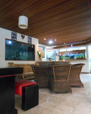 Hotel Lembah Safari Cisarua