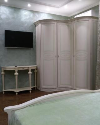 Apartments on Schmidta 6
