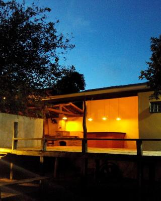 CASA AMARELA EM BONITO (Casa Deck)