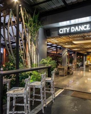 シティ ダンス ホテル