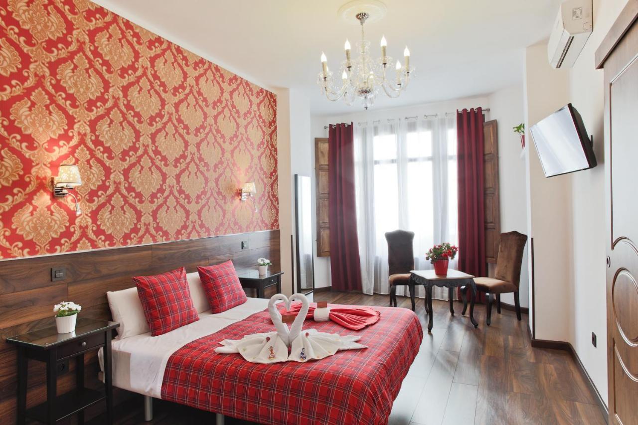 A szoba berendezése, tisztasága, a személyzet kedvessége ...