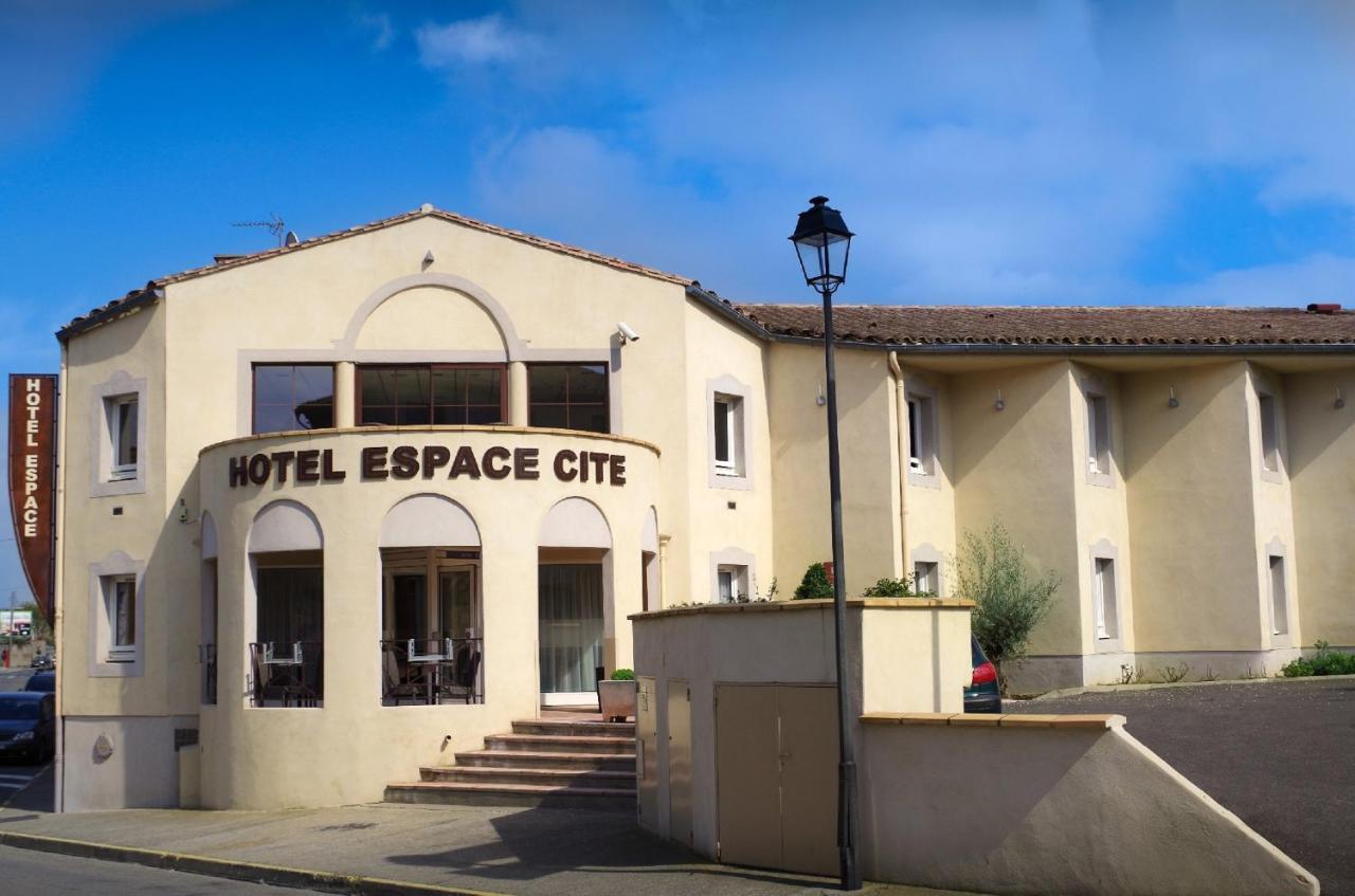 Tr s bel h tel prix abordable deux pas des remparts for Prix de hotel