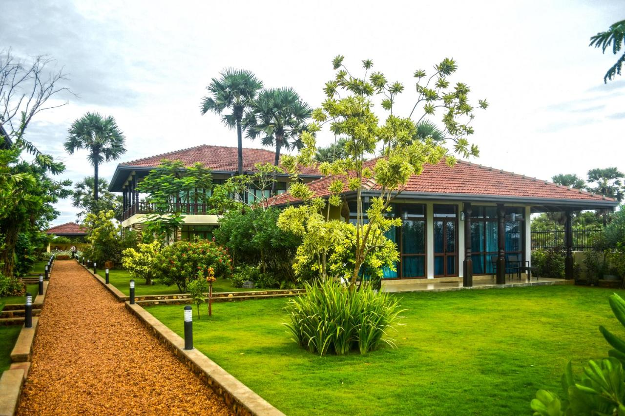 Romantic stay with great food close to the beach | Review of Dream ...