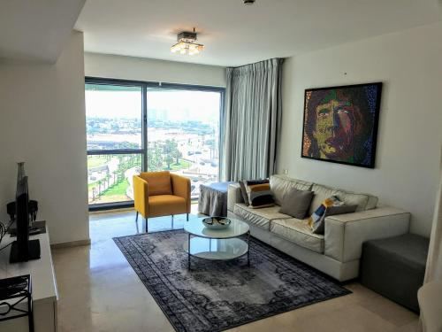 AA Yafit Marina Towers Apartment