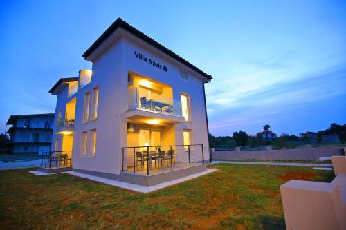Apartments Villa Navis
