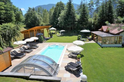 Gästehaus Almrausch, Ferienanlage mit Pool