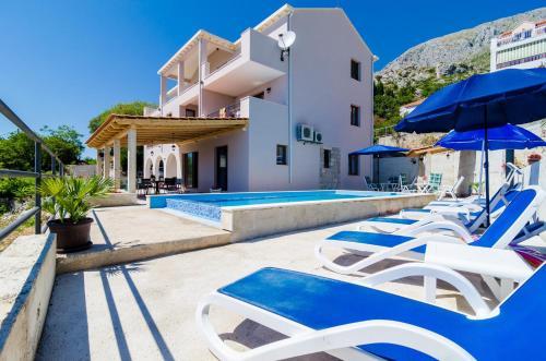 Apartments Villa Made 4U
