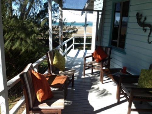 Bowen Beach House- Total Beach Front