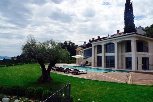 Villa Aquarii