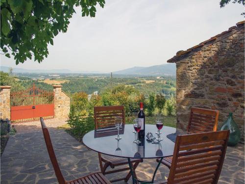 Three-Bedroom Holiday home Civitella d.Chiana AR 05