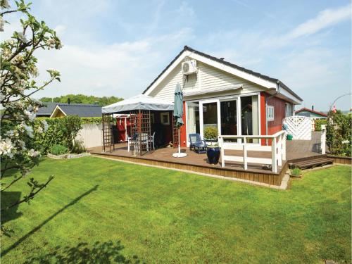 Three-Bedroom Holiday Home in Bjert