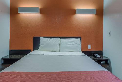 Motel 6 Greenville – Simpsonville