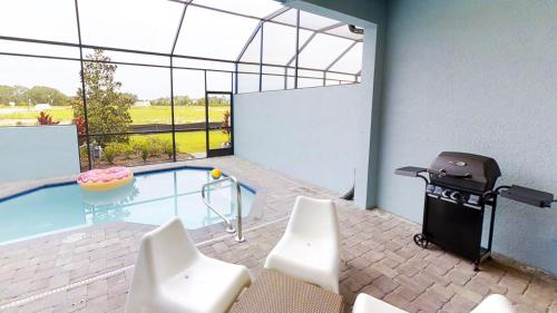 ACO Family – 4 Bd with private pool and Grill (1725)