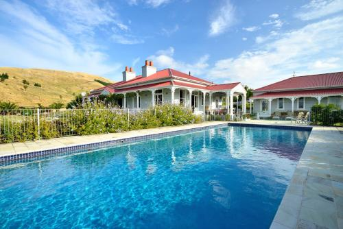Cape South - Country Escape