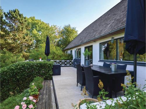 Three-Bedroom Holiday Home in Farevejle
