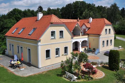 Arkadenhof Flasch